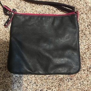 Selena Gomez Bags - EUC Black & Pink Crossbody w/ Adjustable Strap